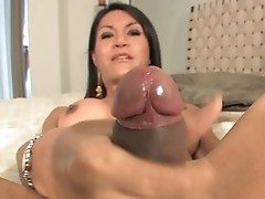 Transsexual Pollar Masturbating