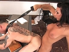 TS Ariel Everitts fucks her student in the ass in class