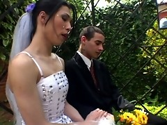 Lascivious shemale bride eagerly ramming and creaming guy's mouth outdoors